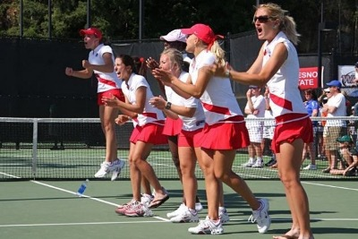 Female tennis players applauding